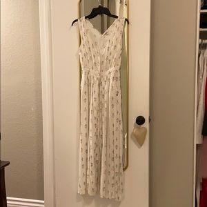 Adorable White/Cream Roxy dress w pockets!